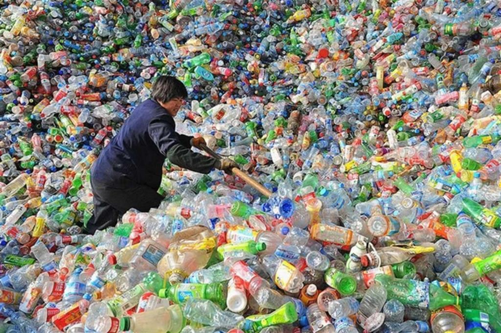 Cina blocca importazioni di rifiuti, è emergenza in Europa